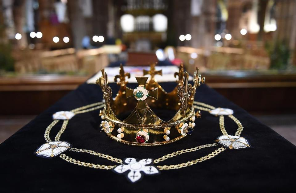 Richard III Crown and coffin