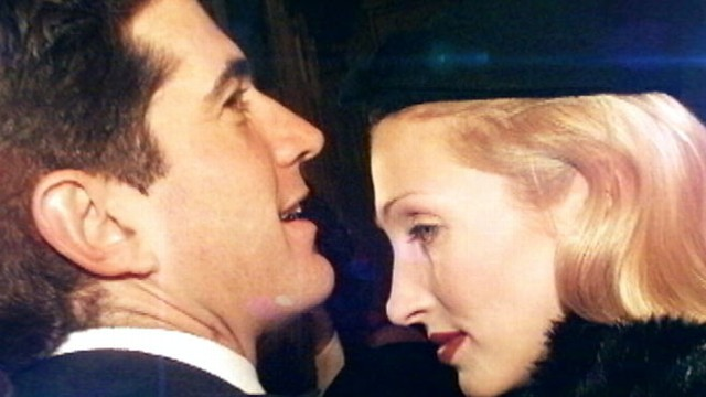 JFK Jr. & Carolyn Bessette