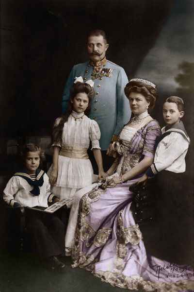 Although the assassination of the Archduke Franz Ferdinand and his wife resulted in repercussions of a global scale, from a personal perspective, the couple's deaths in 1914 left behind 3 orphans - Sophie, aged 13, Maxmilian, aged 12, and Ernst, aged 10. (royalmusingsblogspot.com)