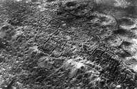 An aerial view of the trench lines dug on both warring sides along the Western Front, with the lunar like craters representing shell explosions. (historyboomers.blogspot.com)