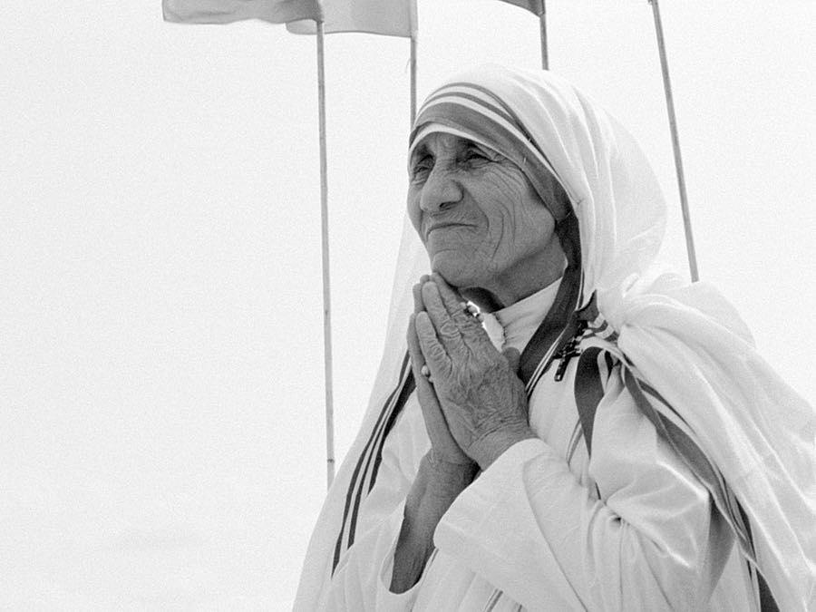 Mother Teresa Black And White Bradkronencom