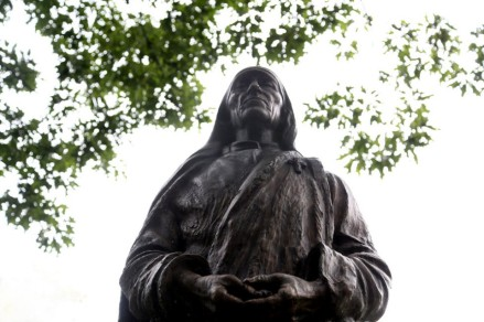 A statue of Mother Teresa in Cleveland Ohio's Albanian Gardens.