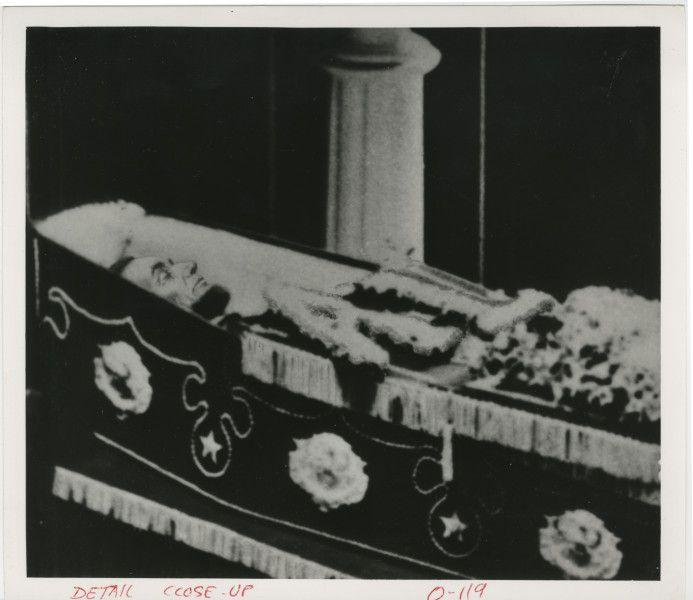 abraham-lincoln-casket