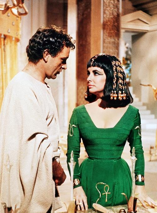 elizabeth-taylor-richard-burton-cleopatra