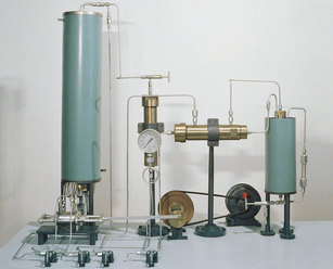 Fritz Haber 1908 Laboratory for synthesizing ammonia
