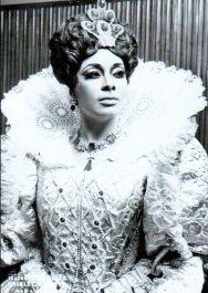 "Shirley Verrett stunningly oortrays Queen Elizabeth I in Gaetano Donizetti's opera ""Maria Stuarda"" ""Mary Stuart""."